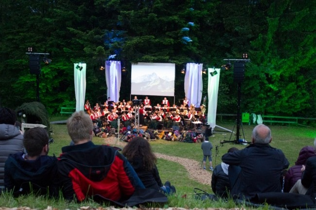 Open-air Picknick Konzert im Kurpark in Riezlern.