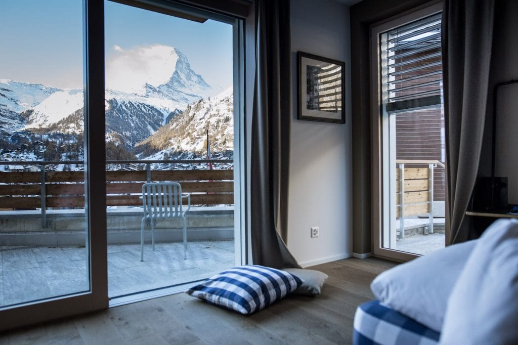 10 der sch nsten berghotels in den alpen escape town. Black Bedroom Furniture Sets. Home Design Ideas