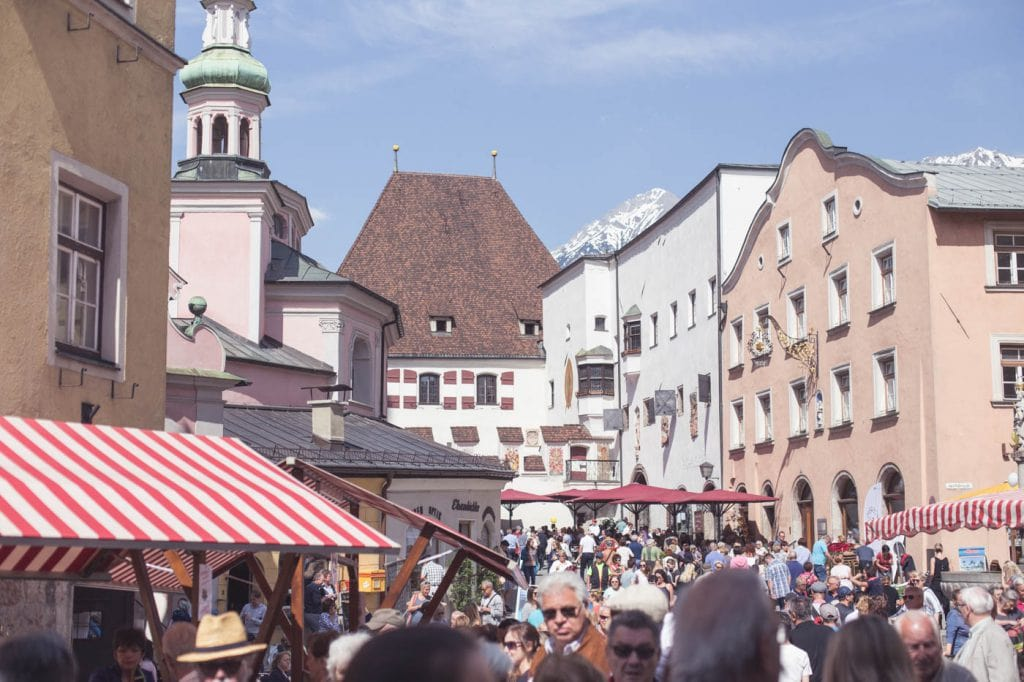 Bauernmarkt am Stadtplatz in Hall.